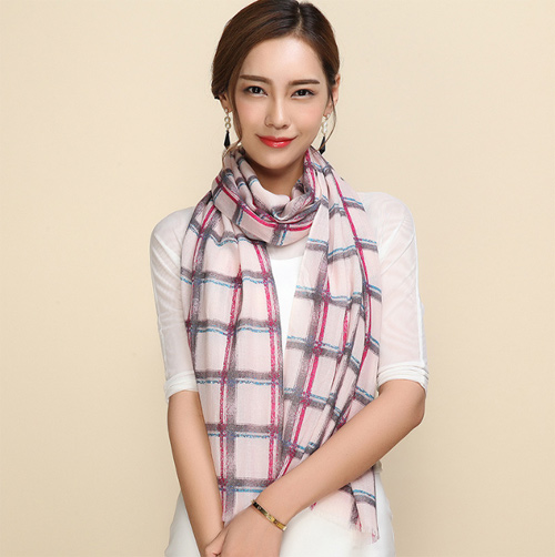 Hand-embroidered-shawls (3)